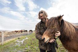 Hestabóndinn Hörður er með vinsælustu upplifunina á bókunarsíðunni Airbnb.