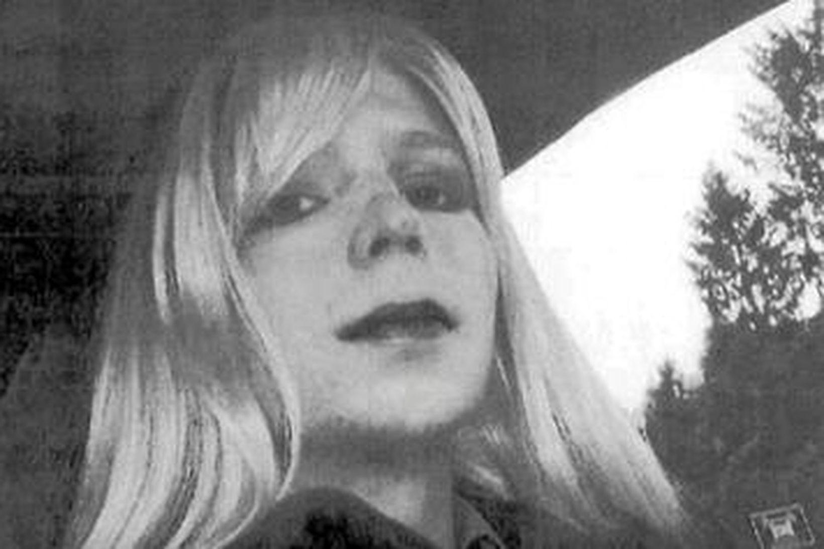 Trump gagnrýndi Chelsea Manning, eftir að hún sagði Obama hafa …