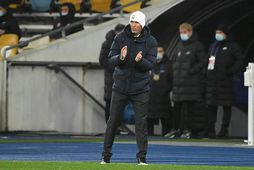 Zinedine Zidane á hliðarlínunni í leiknum í kvöld.
