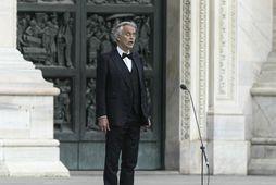 Andrea Bocelli og öll fjölskyldan hans veiktust af veirunni.