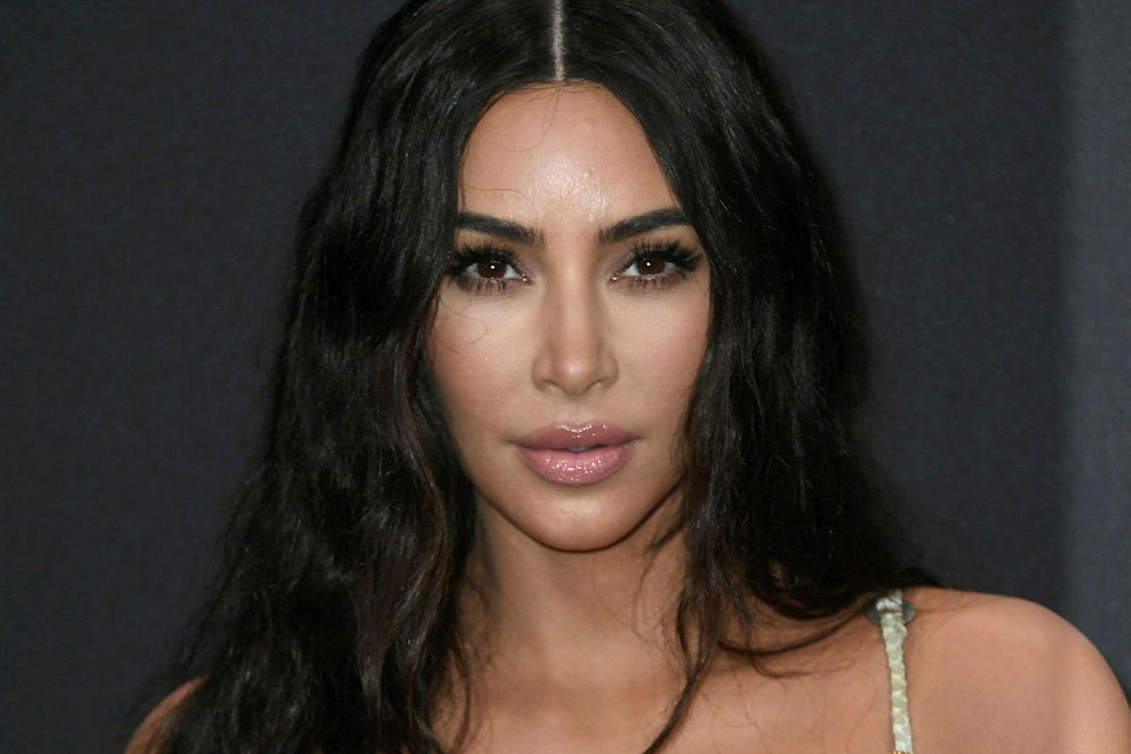 Kim Kardashian er alveg hætt að djamma.