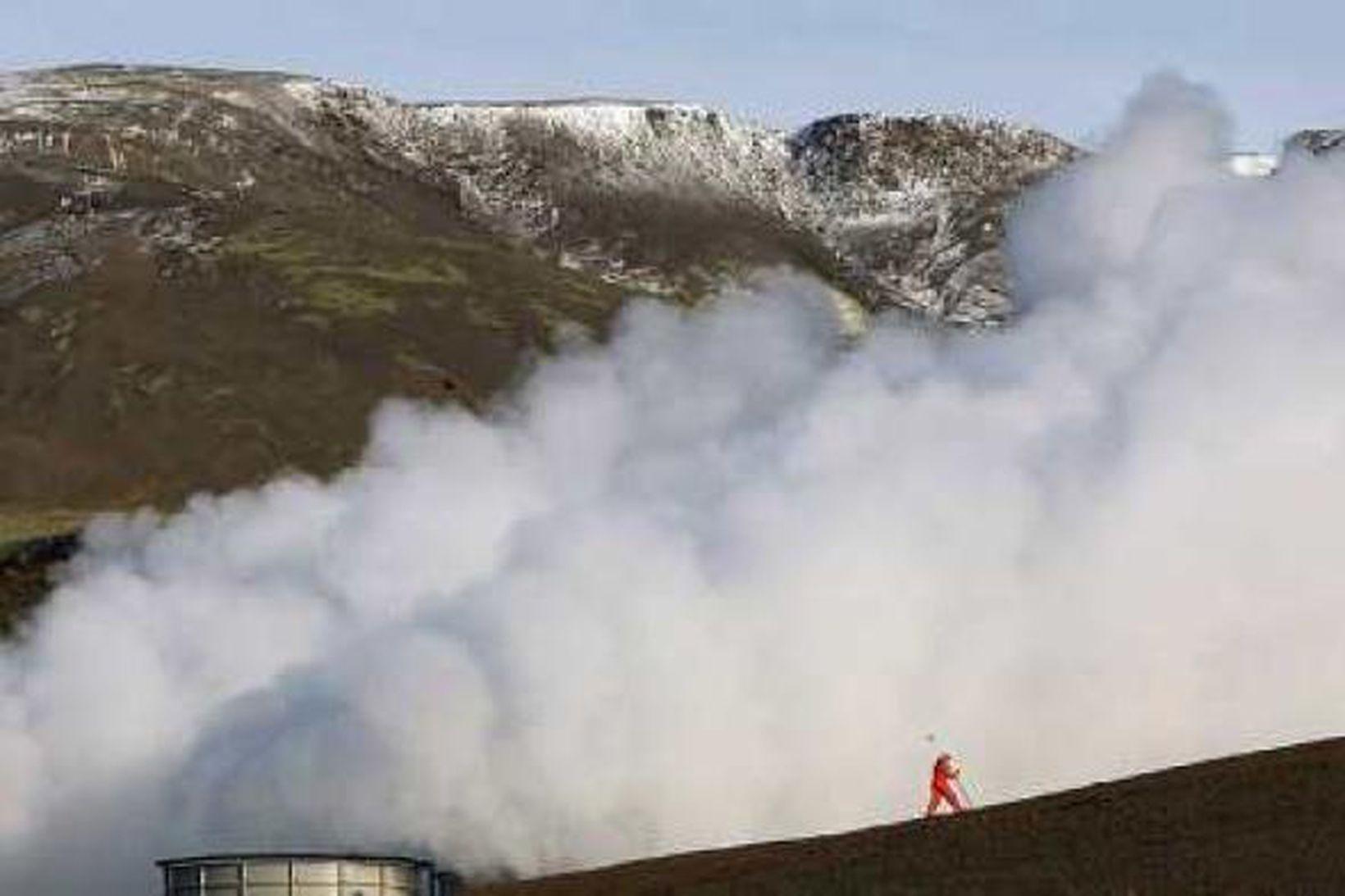 Brennisteinsvetni kemur upp úr borholum sem virkjaðar eru.