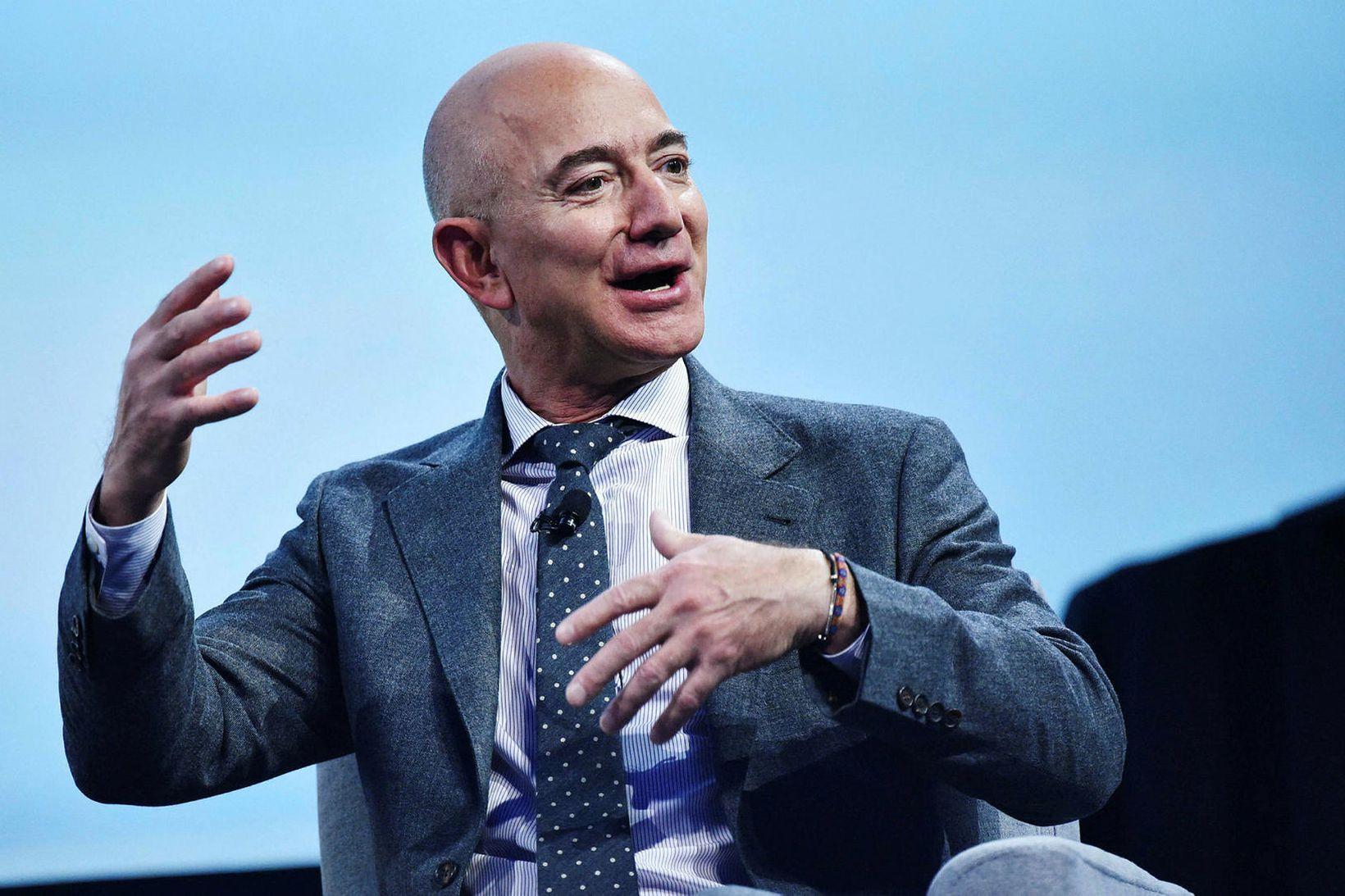 Jeff Bezos er einn ríkasti maður heims.