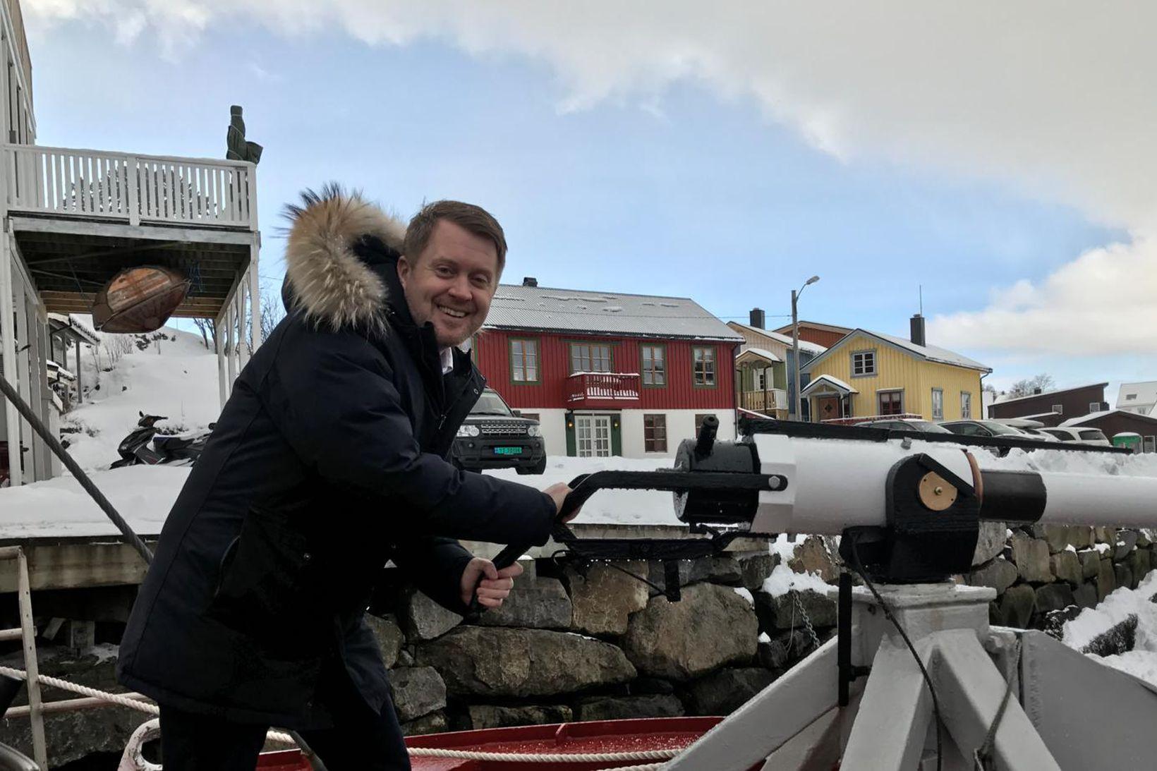 Øyvind A. Haram, samskiptastjóri samtaka norskra sjávarfangsfyrirtækja, segir að hrefnuveiðar …