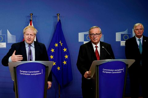 Boris Johnson, forsætisráðherra Bretlands, og Jean-Claude Juncker, forseti framkvæmdastjórnar Evrópusambandsins, á blaðamannafundi í morgun.
