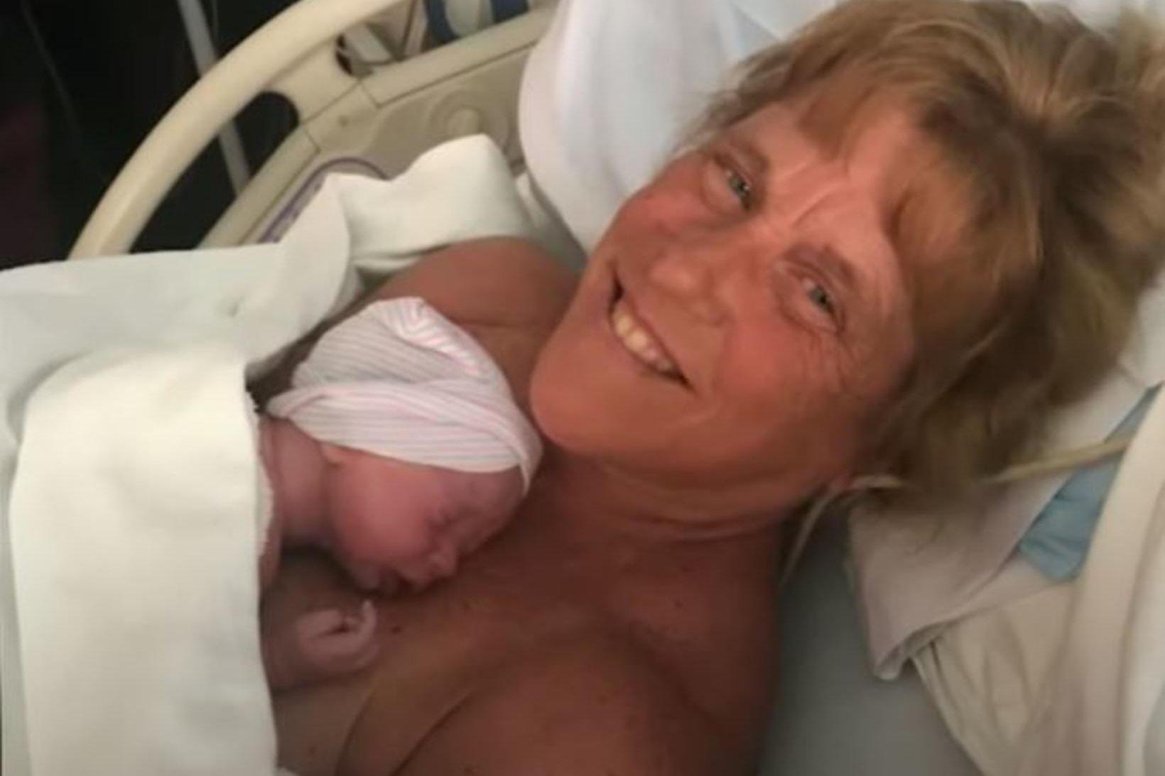 Barbara Higgins eignaðist barn 57 ára.