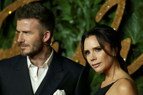 David og Victoria Beckham eru sögð hafa veikst af kórónuveirunni í mars.