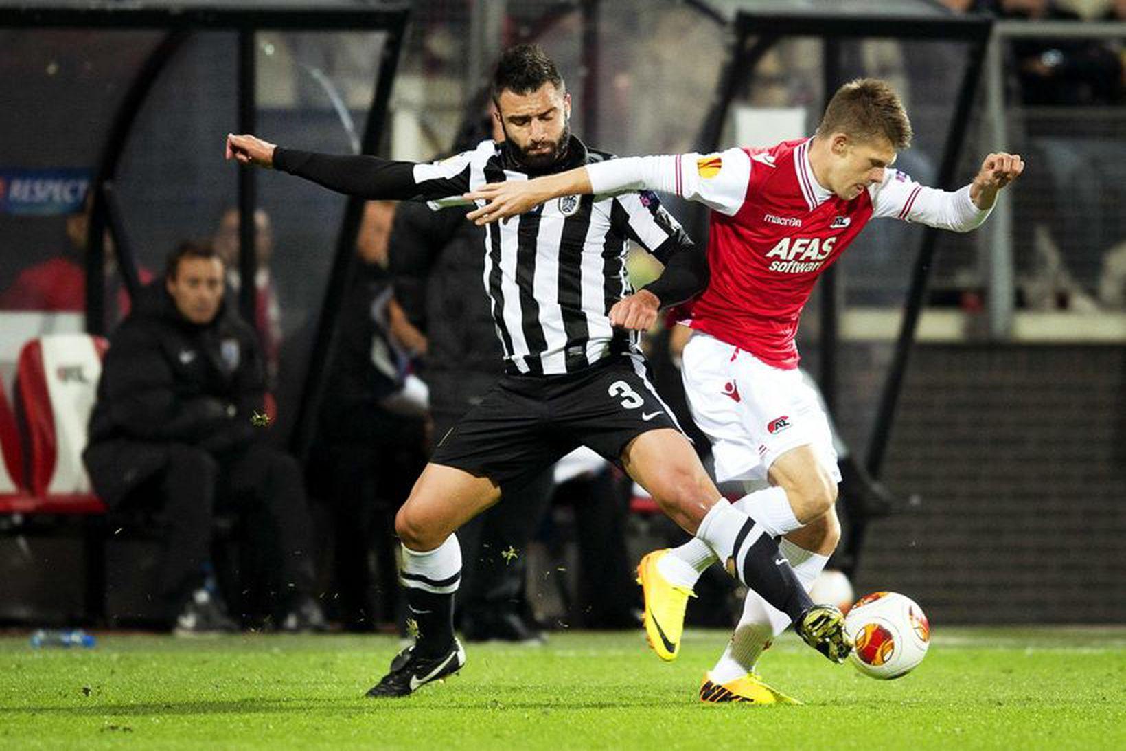 Jóhann Berg Guðmundsson (t.h.) skoraði glæsilegt mark fyrir AZ Alkmaar …
