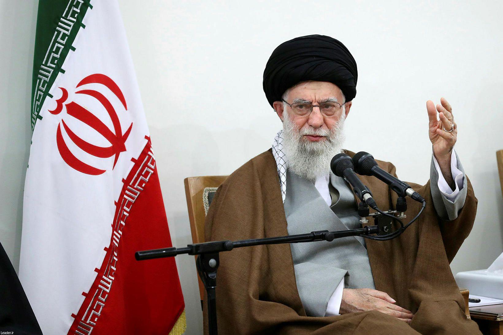 Khamenei á fundi í Teheran fyrr í vikunni.