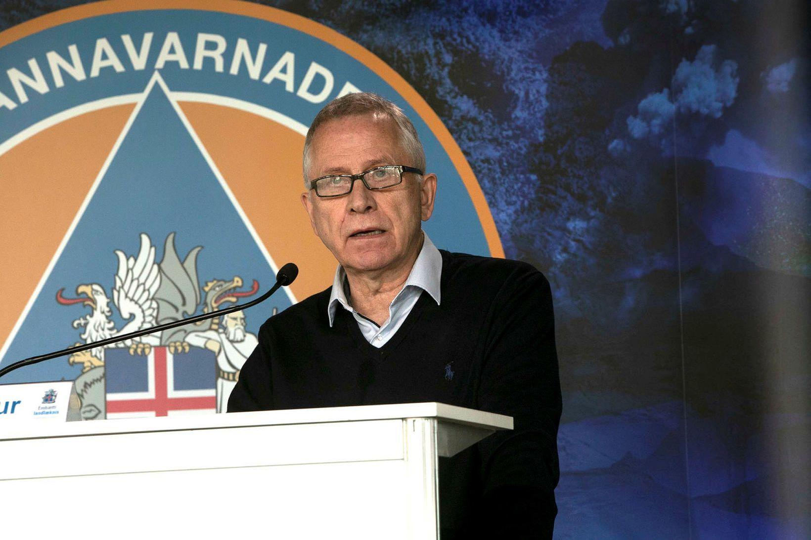 Þórólfur Guðnason sóttvarnalæknir vill herða aðgerðir á landamærum.
