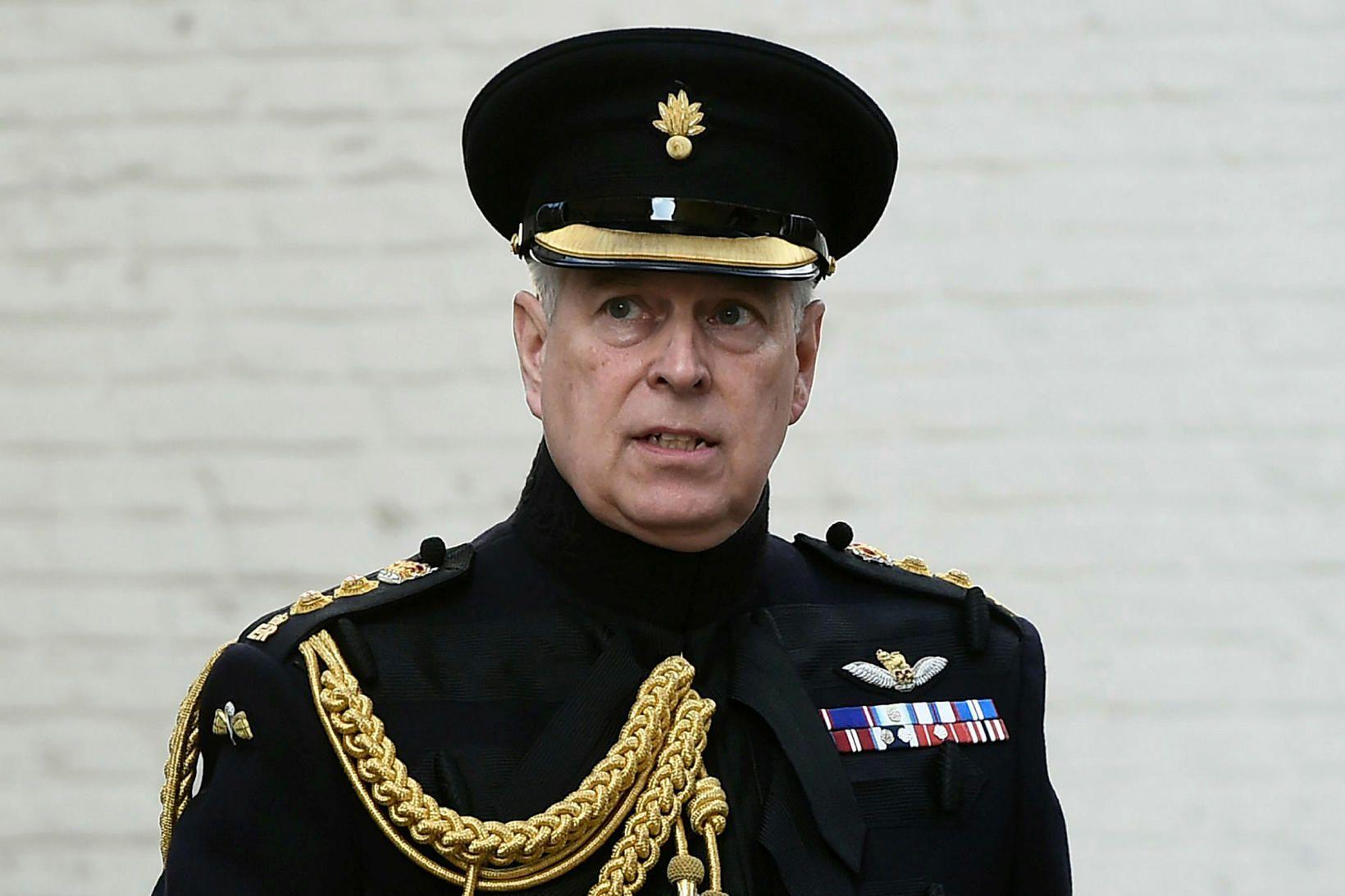 Andrés Bretaprins veldur konungsfjölskyldunni miklum vonbrigðum.
