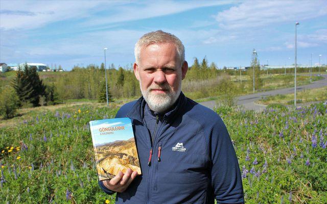 Jónas Guðmundsson skrifaði bókina Gönguleiðir á hálendinu.