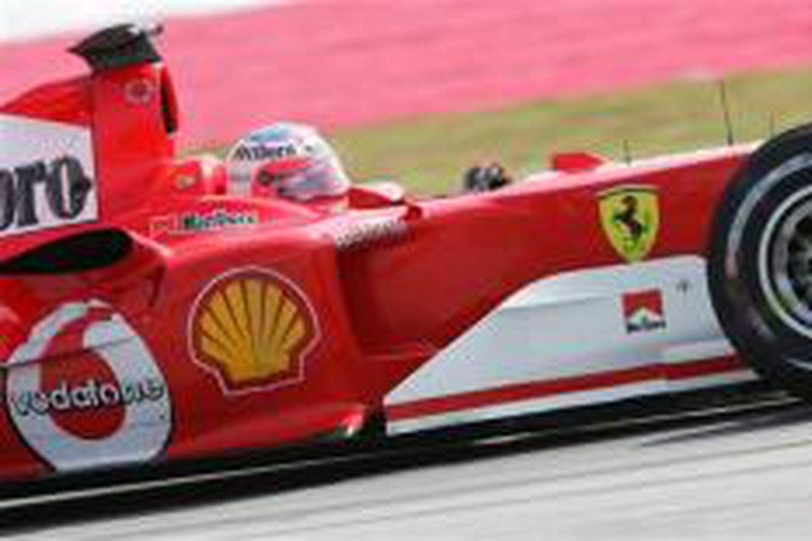 Rubens Barrichello hjá Ferrari á ferð í Sepang.