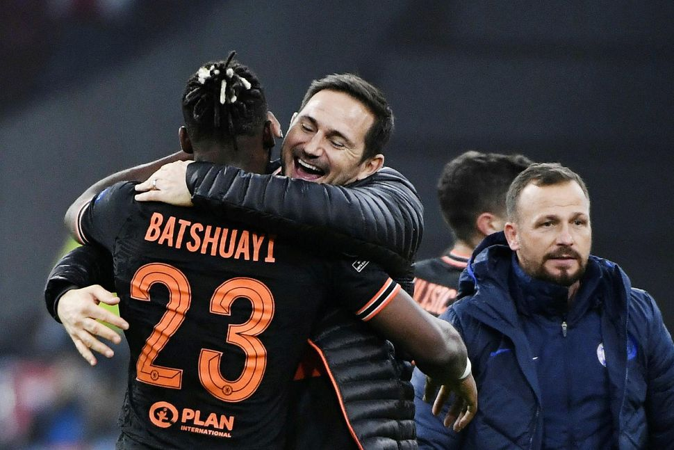 Michy Batshuayi og Frank Lampard fagna í leikslok.