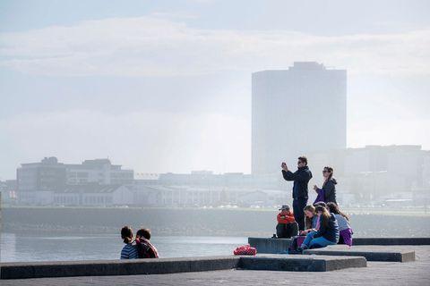 Borið saman við 9.200 gistinætur í apríl 2020 má ætla að orðið hafi um það …