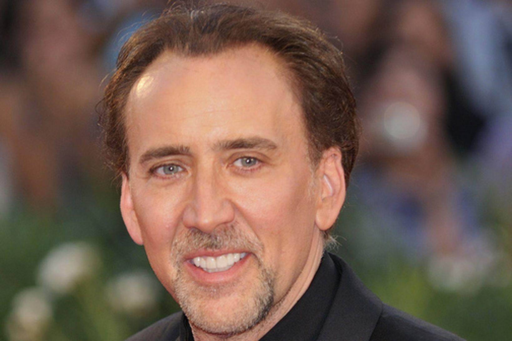 Nicolas Cage var hent út af bar í Las Vegas …