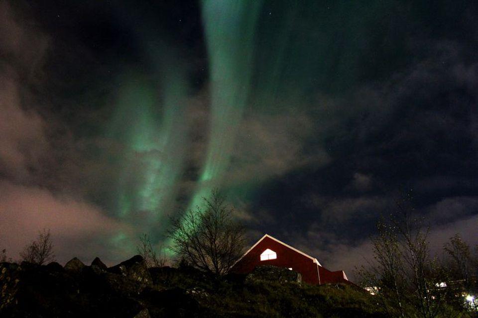 Ósk Laufdal tók þessa mynd af norðurljósum yfir Grafarvogi í kvöld.