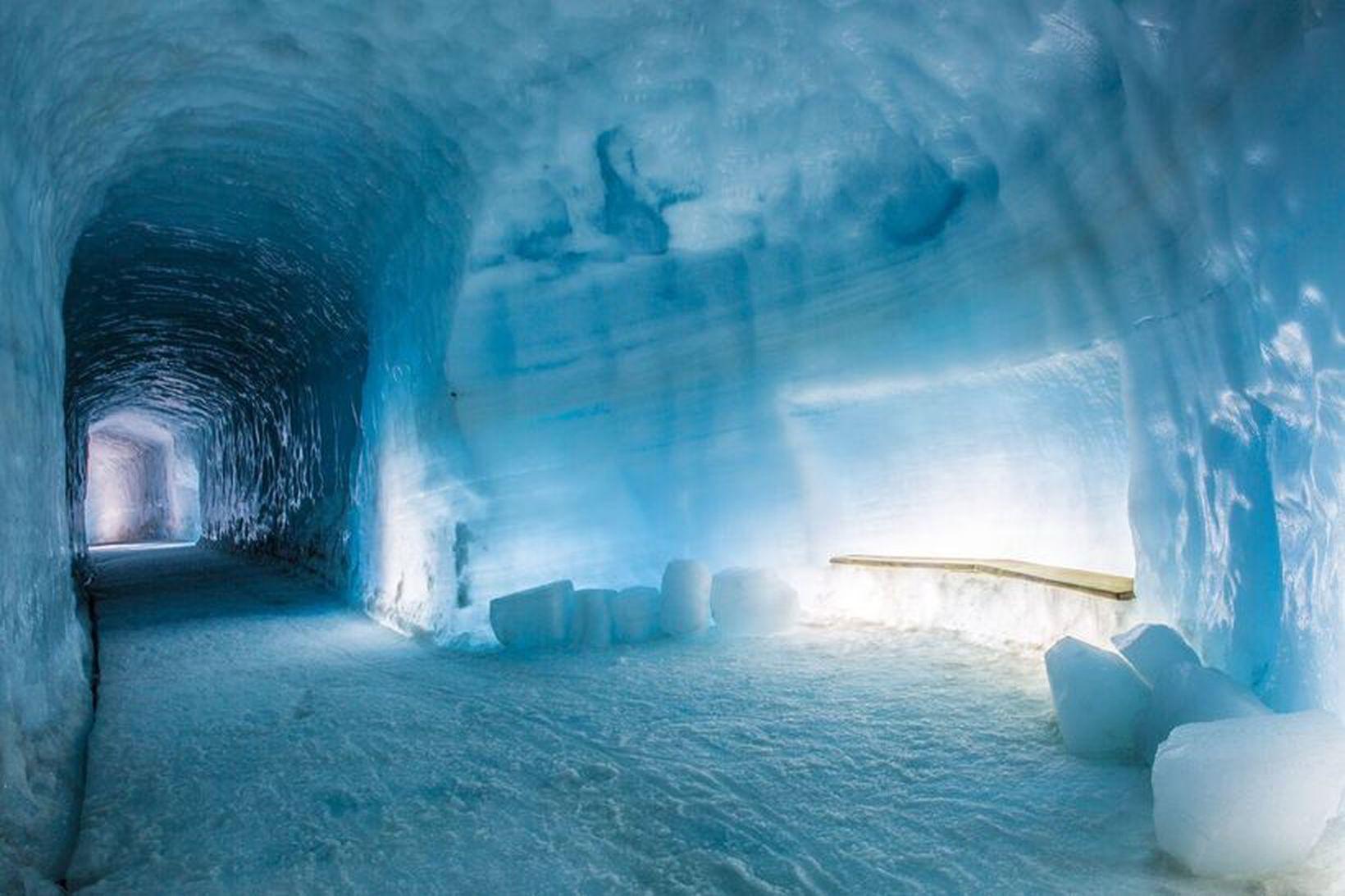 Arctic Adventures er nýr eigandi Into the glacier í Langjökli.