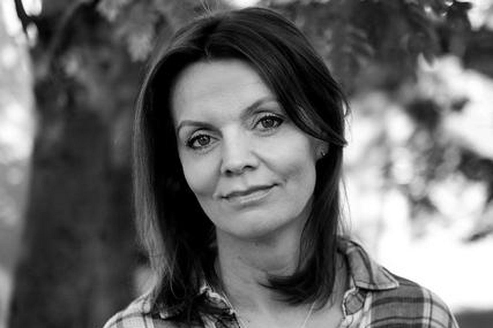 Ásdís Halla Bragadóttir opnar sig um átakanlega fjölskyldusögu sína í …