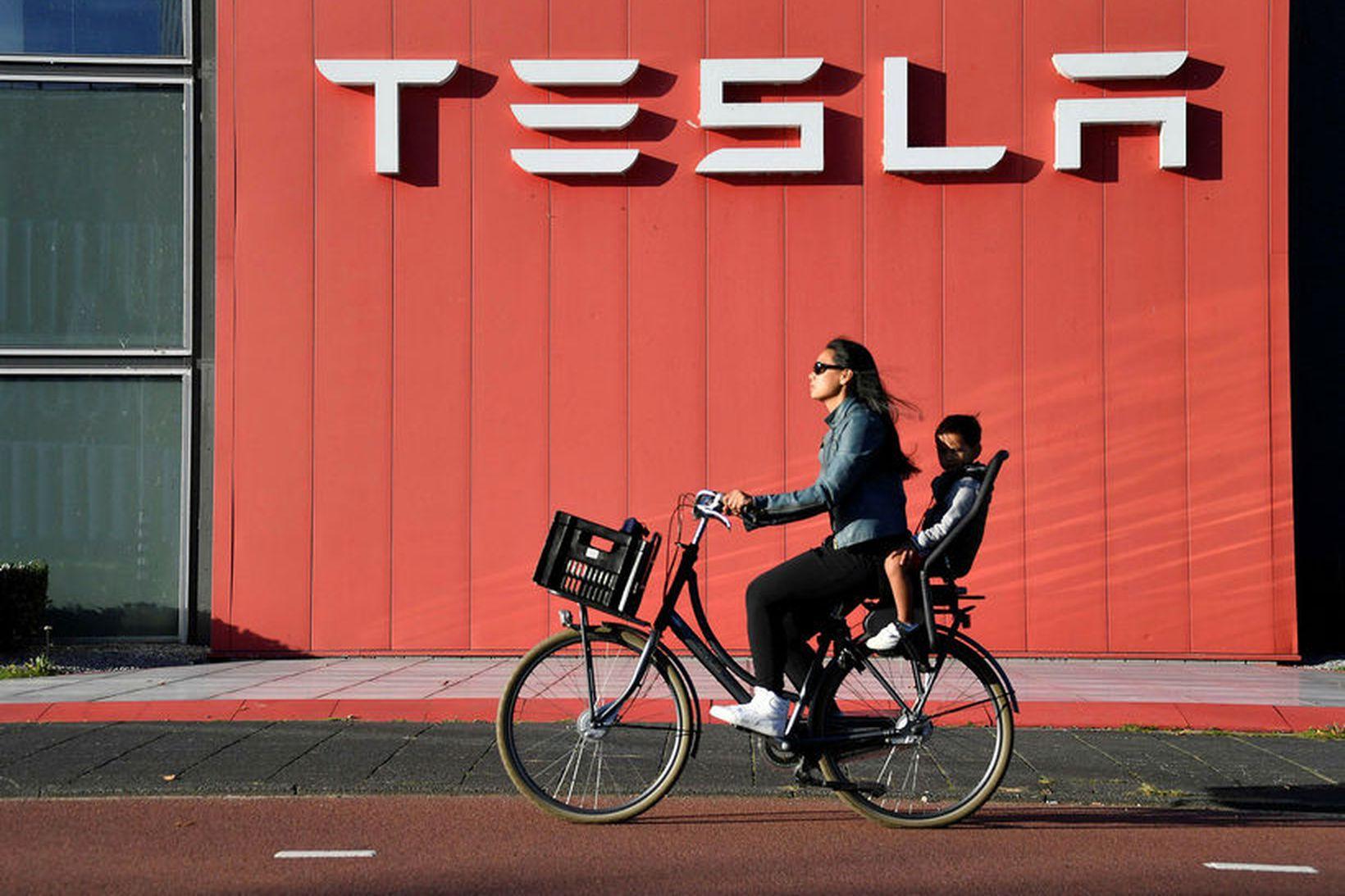 Tesla hefur ákveðið að kaupa rafhlöðuframleiðandann Maxwell. Mynd frá útibúi …