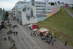 Frá göngugötunni á Akureyri í gær.