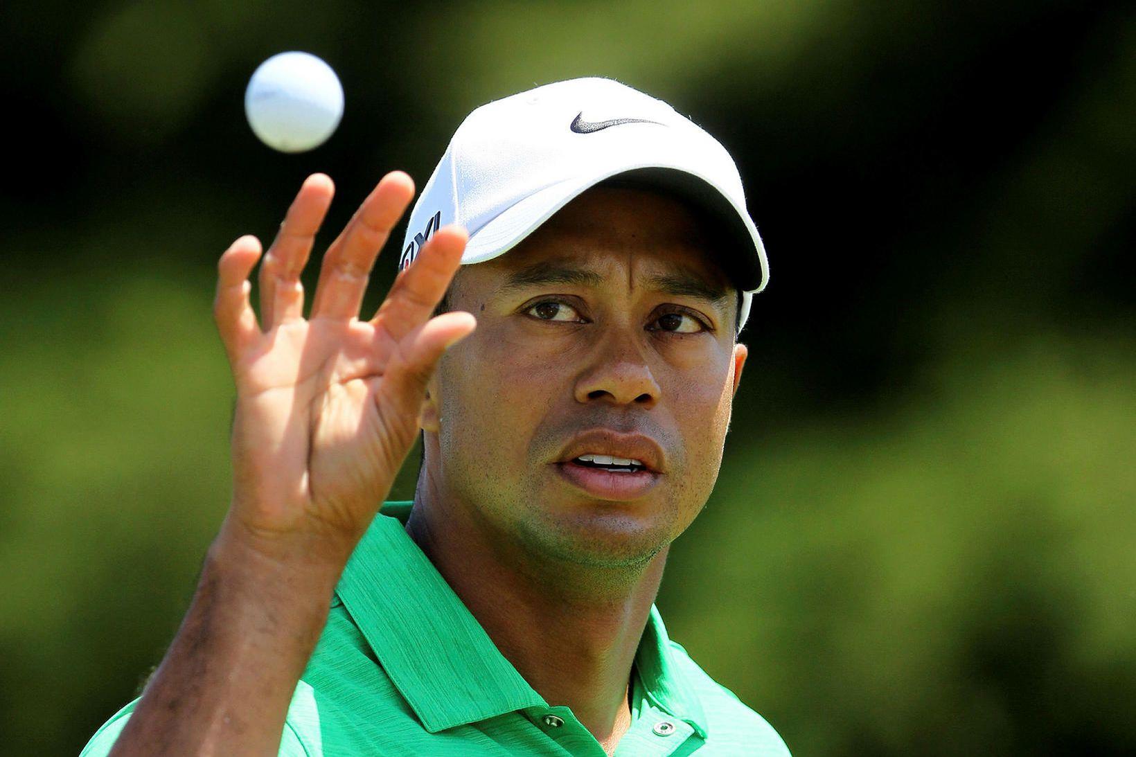 Tiger Woods hefur gengist undir aðgerðir á sjúkrahúsi eftir bílslys …