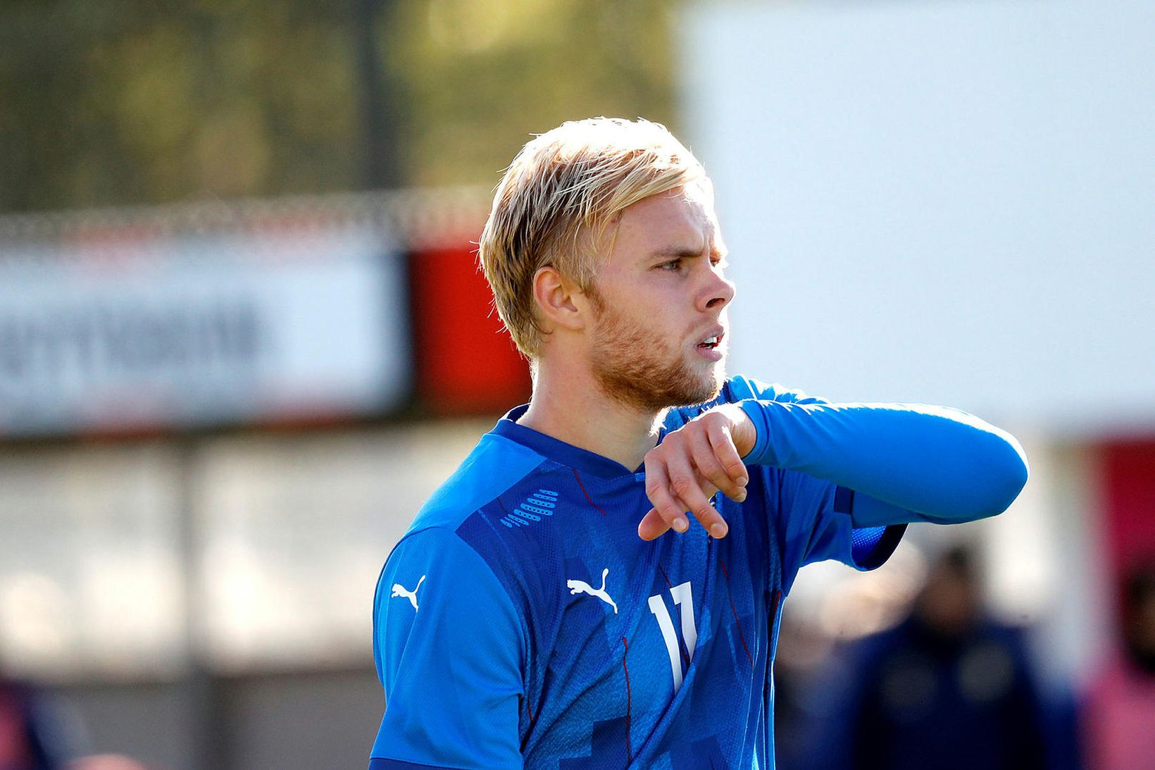 Sveinn Aron Guðjohnsen er byrjaður að spila í dönsku úrvalsdeildinni.