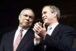 Colin Powell ásamt George W. Bush árið 2000.