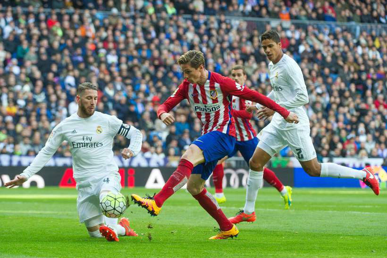 Sergio Ramos og Raphaël Varane verða ekki með gegn Liverpool.