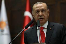 Forseti Tyrklands, Tayyip Erdogan, segir Tyrki munu sniðganga bandarískar rafvörur.