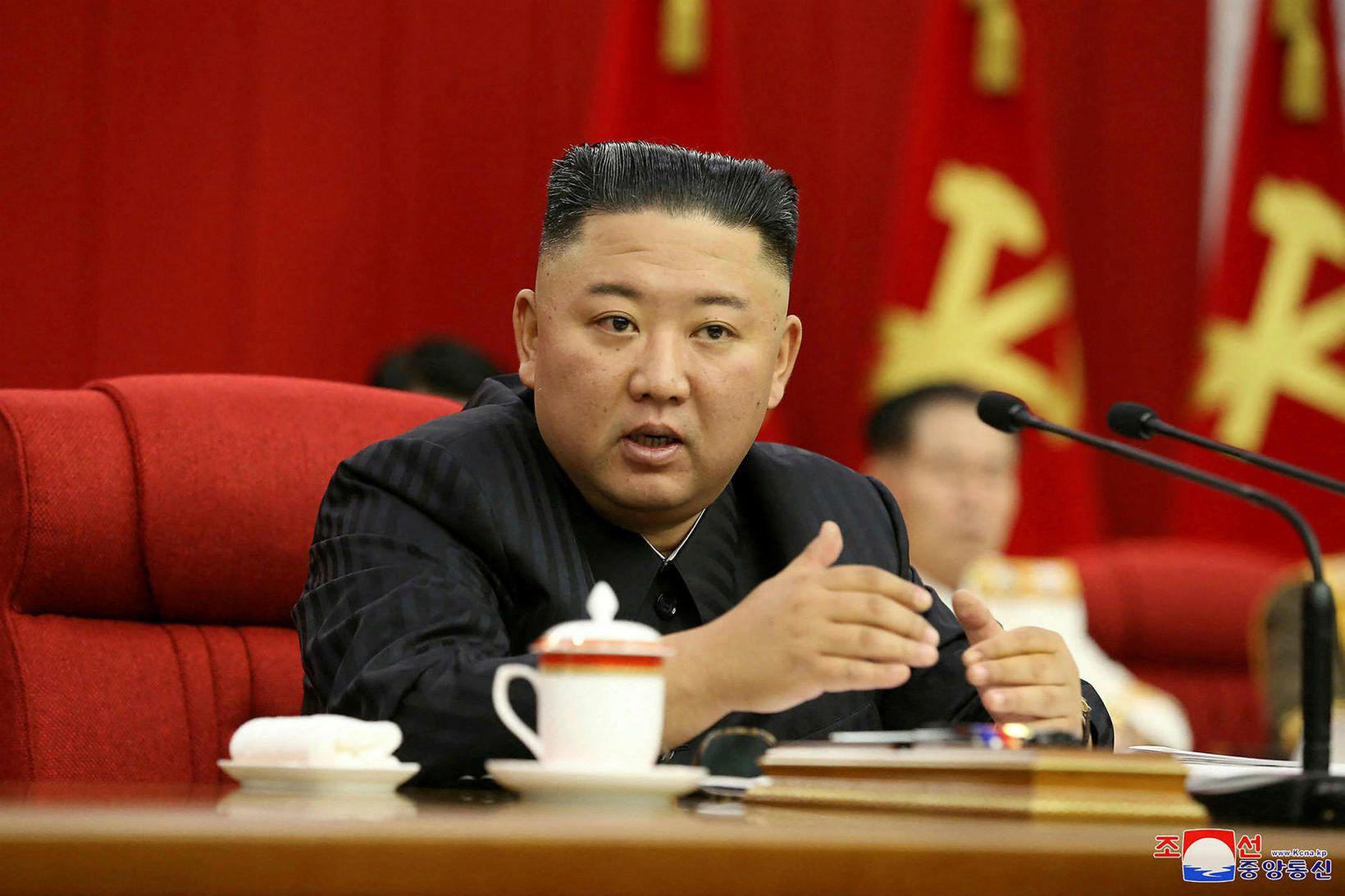 Kim Jong-un á landsfundi Verkamannaflokksins í gær.