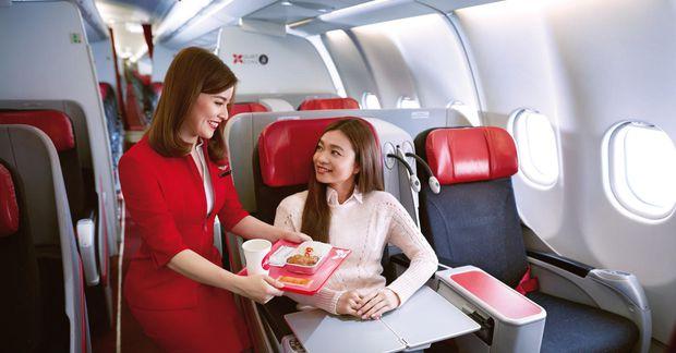 Namm! Flugvélamaturinn hjá Air Asia er svo góður að viðskiptavinir vilja ekki bara snæða hann ...