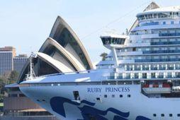 600 farþegar skipsins hafa greinst með kórónuveiru.