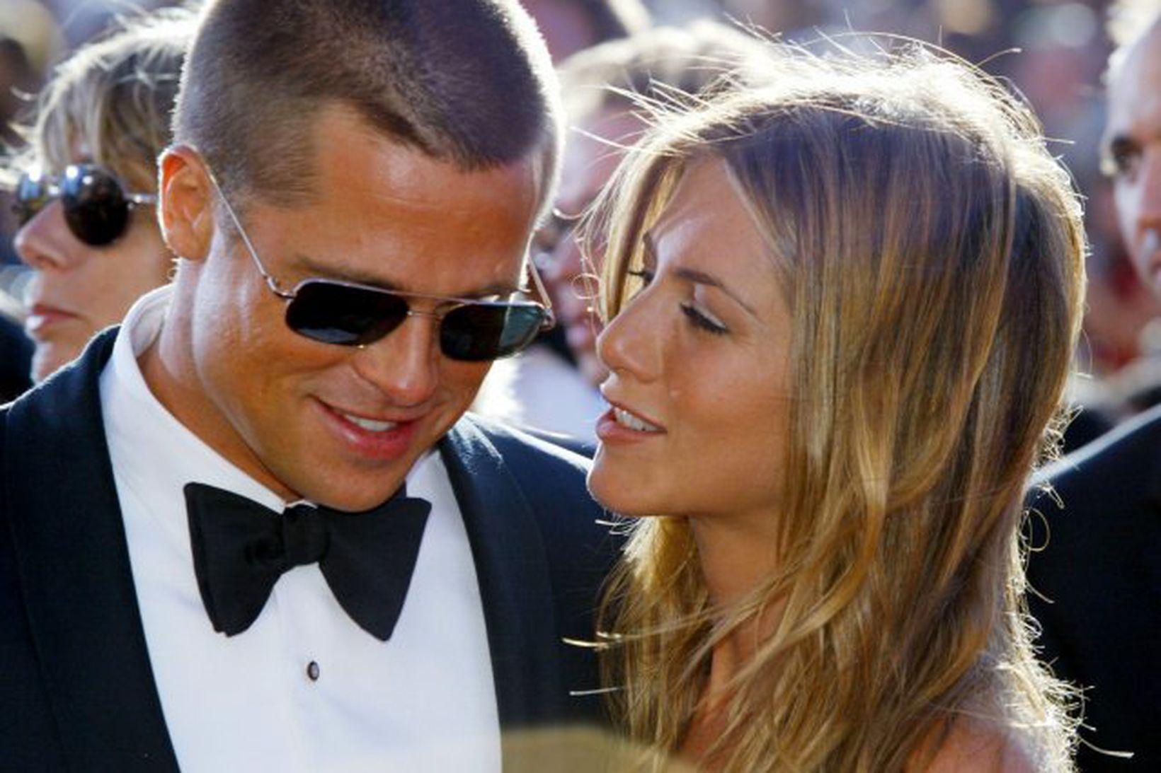 Brad Pitt og Jennifer Aniston eru vinir eftir erfiðan skilnað …