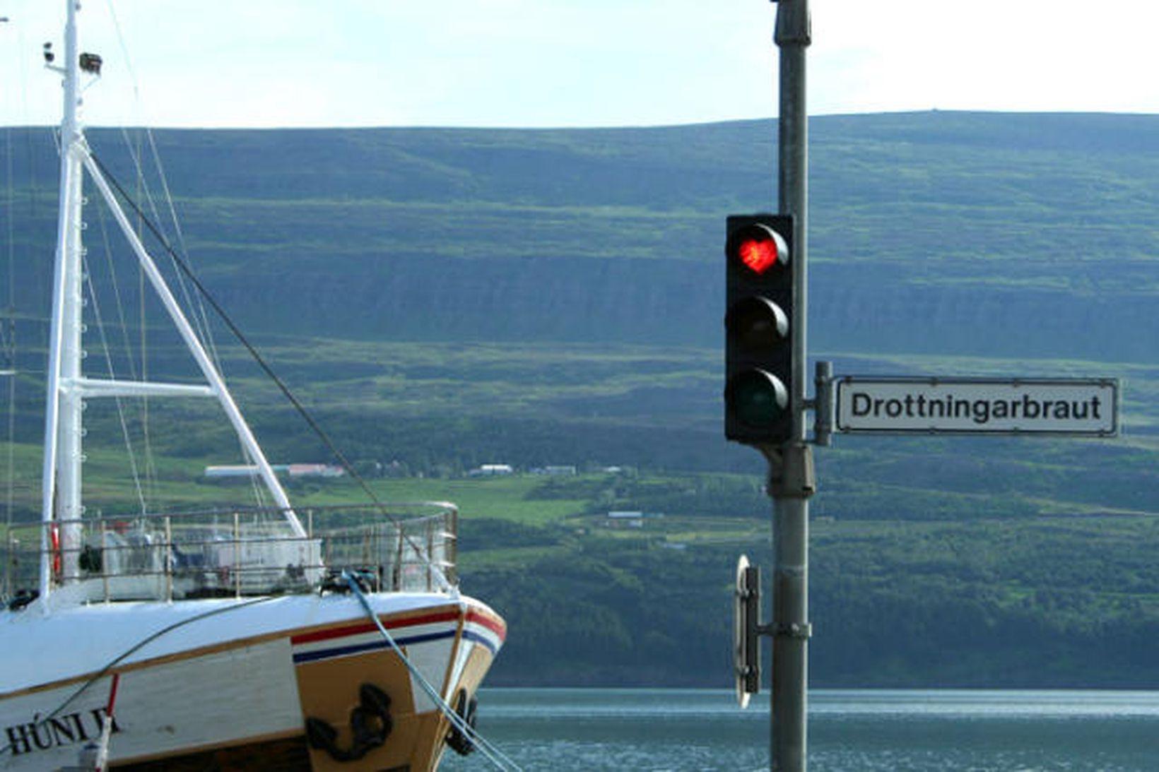 Vingjarnlegustu götuvita landsins er að finna á Akureyri.
