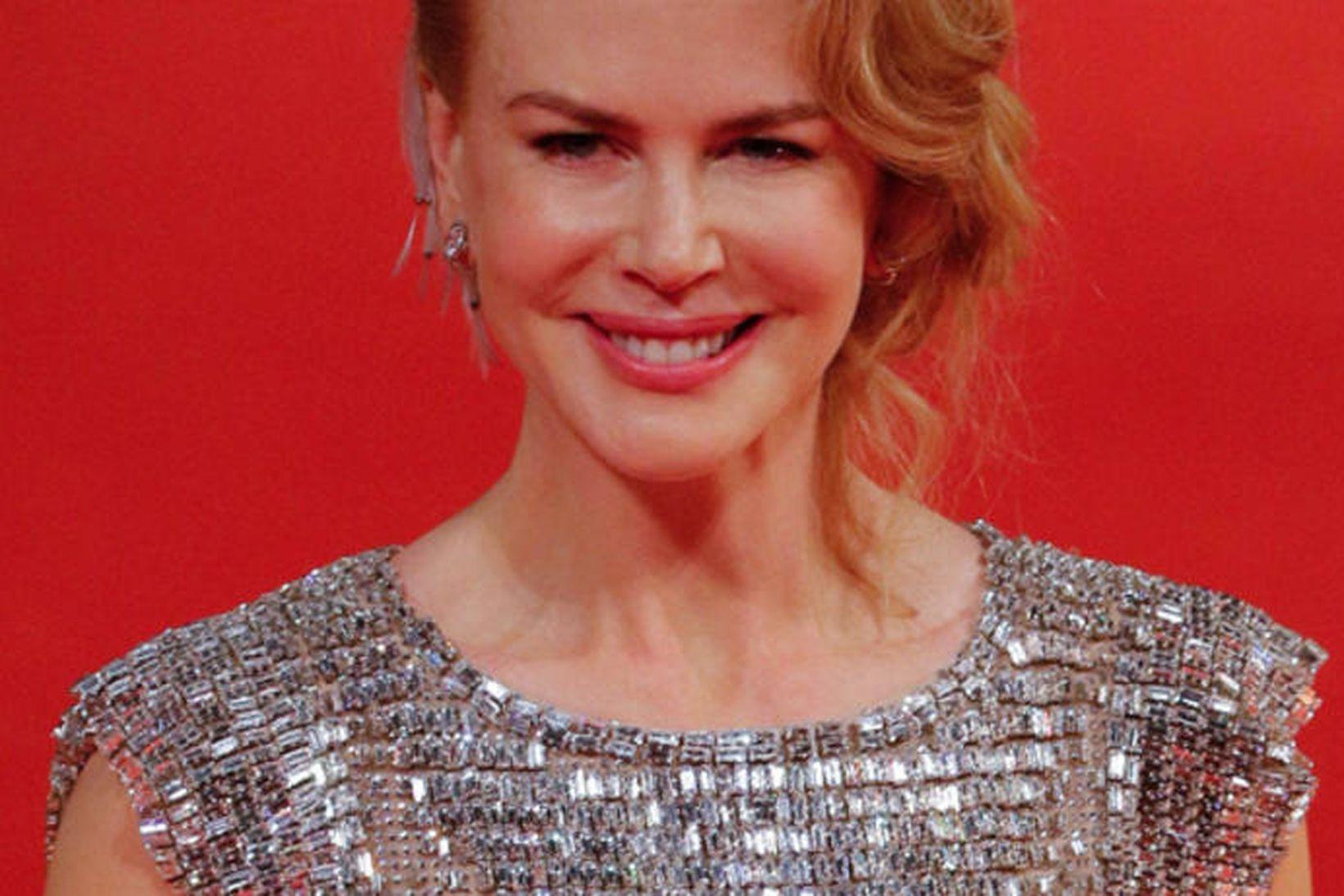 Nicole Kidman í kjól frá Dolce & Gabbana sem er …
