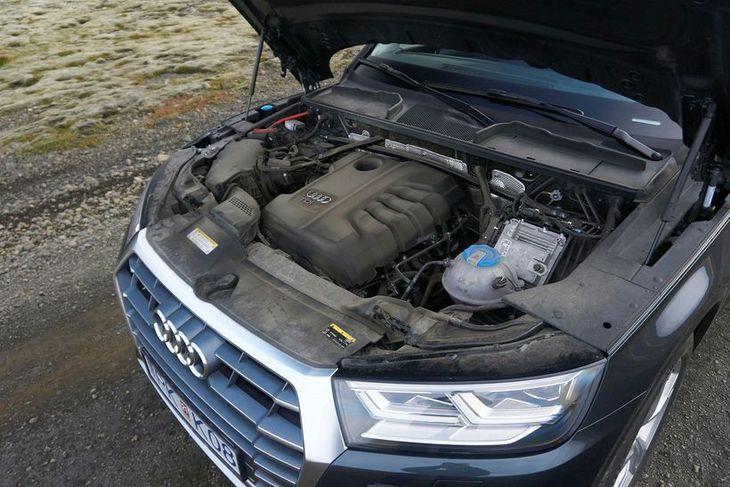 Í vélarhúsi Audi Q5