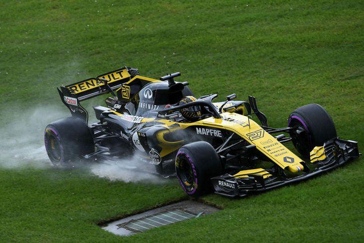 Nico Hülkenberg á Renault í tímatökunni í Melbourne.
