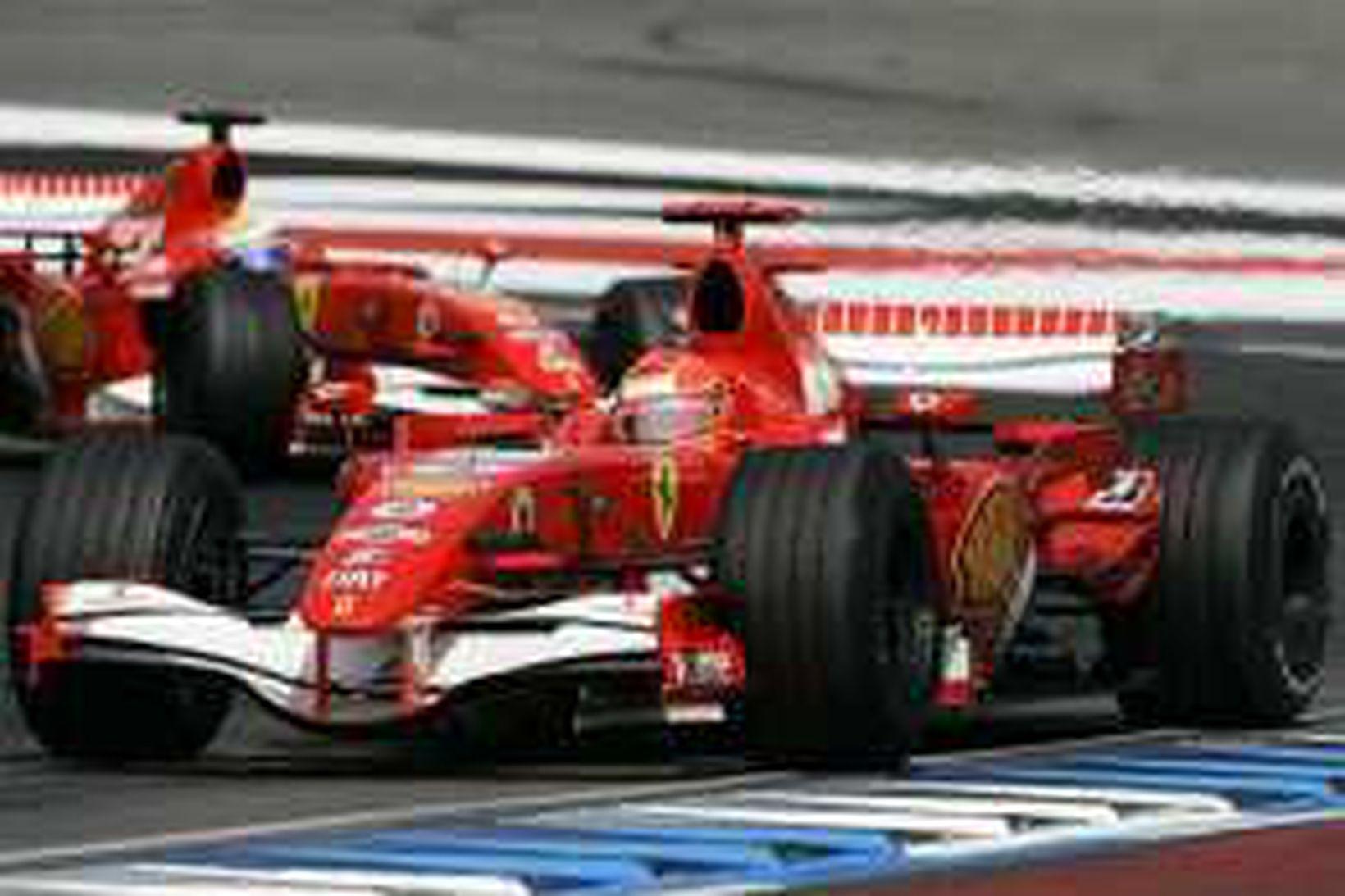 Michael Schumacher og Felipe Massa fremstir í flokki í Hockenheim.