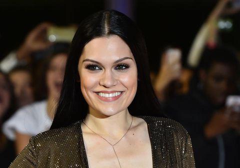 Jessie J. er verkjuð nánast daglega en læknar vita ekki hvað hrjáir söngkonuna.