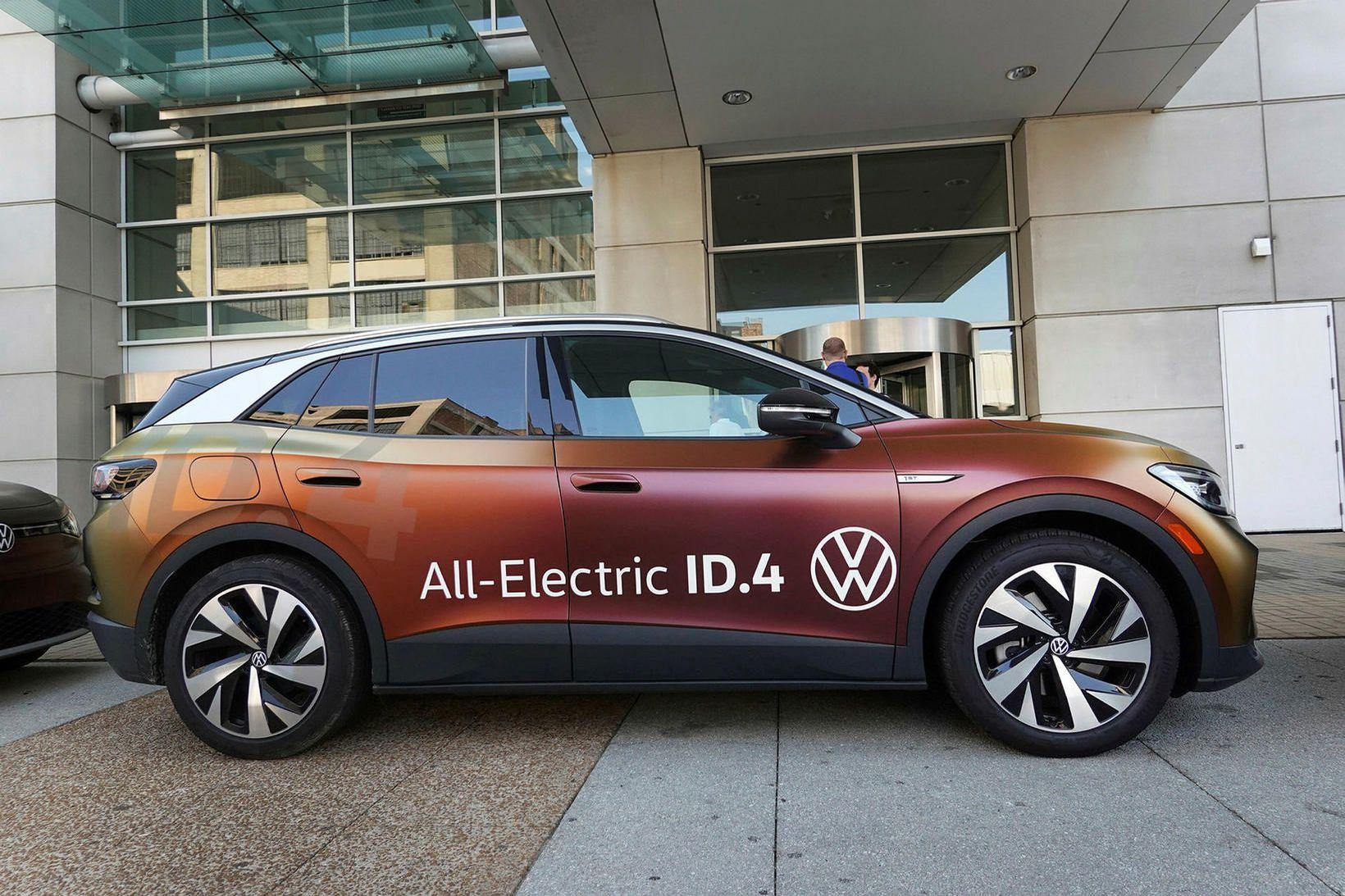 Rafbíllinn Volkswagen ID.4 sýndur á bílasýningunni í Chiacago í síðustu …