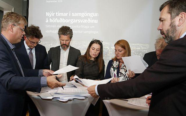 Fulltrúar ríkis og sveitarfélaga undirrituðu samkomulagið í síðustu viku.