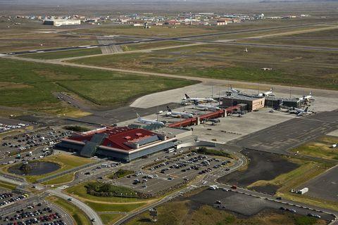 Keflavík International Airport (KEF).