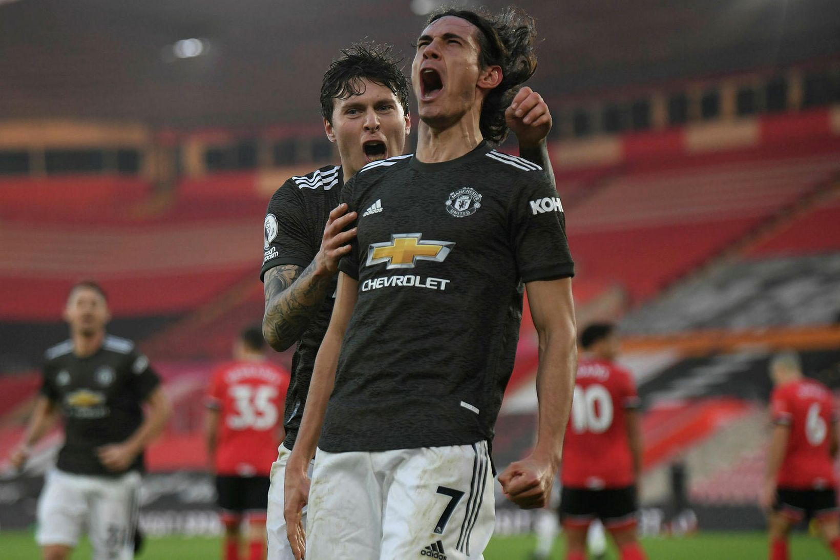 Edinson Cavani var hetja Manchester United.