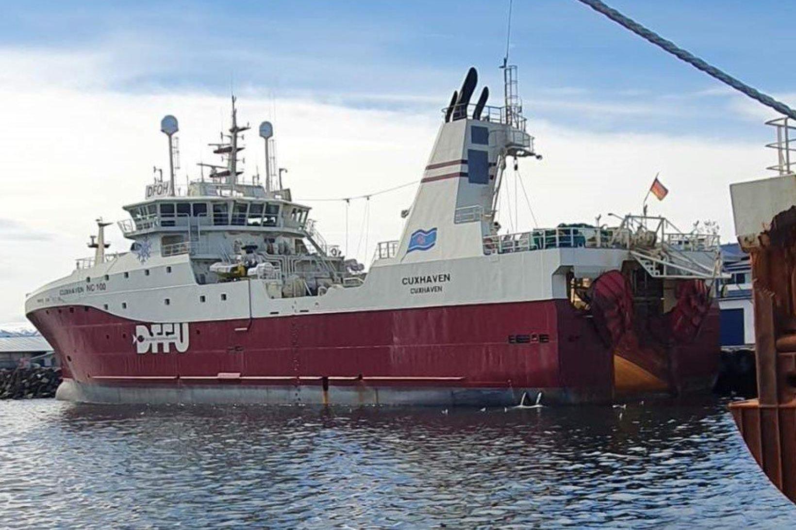 Cuxhaven landar á Akureyri í morgun.
