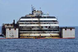 Björgun Costa Concordia við Giglio.