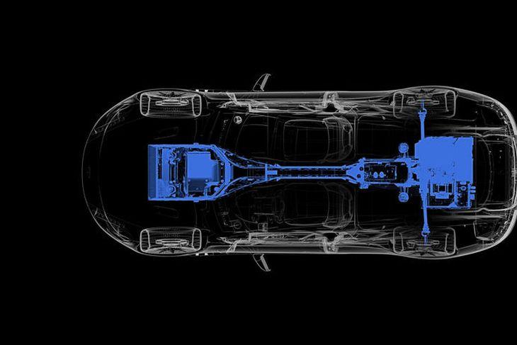 Skema yfir drifrásina í Aston Martin Rapide S rafbílnum.