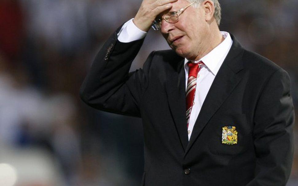 Alex Ferguson hefur áhyggjur af leiknum í Portsmouth.