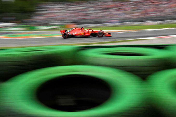 Sebastian Vettel á seinni æfingunni í Monza í dag.