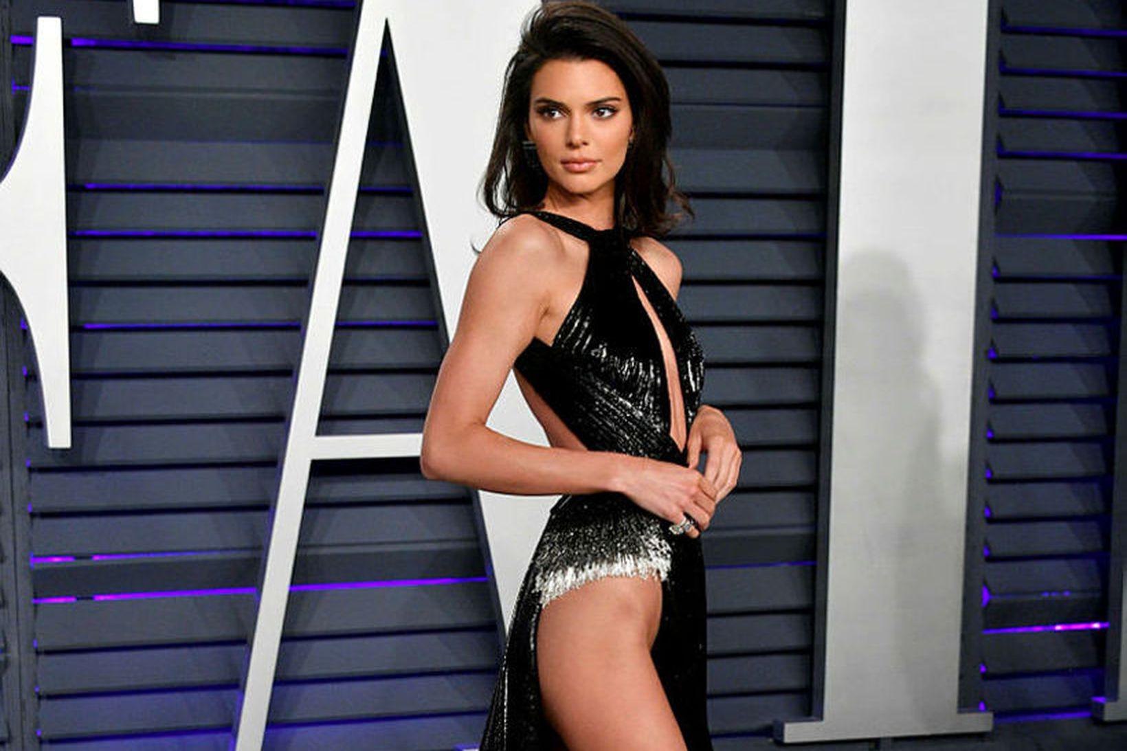 Kendall Jenner klæddist nokkrum eftirminnilegum kjólum árið 2019.